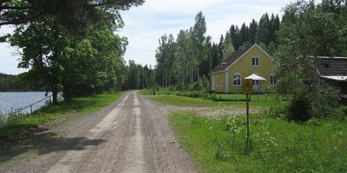 Veien mellom huset og sjøen